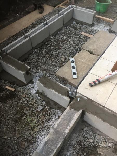 大型ウッドデッキ自作コンクリートブロックの基礎